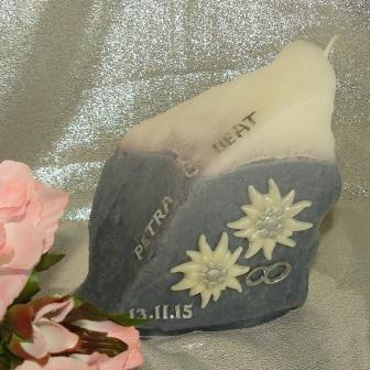 Hochzeitskerze Edelweiss auf Fels