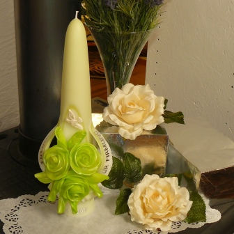 Firmkerze Rosen lindengrün